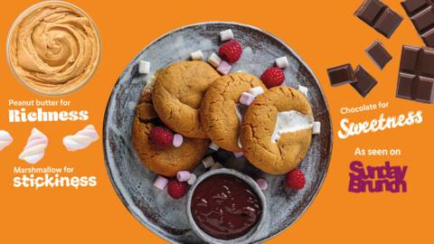 Sticky peanut butter and marshmallow cookies with chocolate dip
