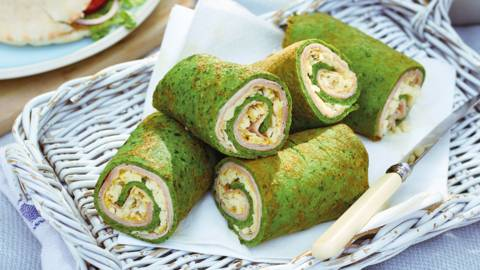 Spinach wraps with ham and cheese