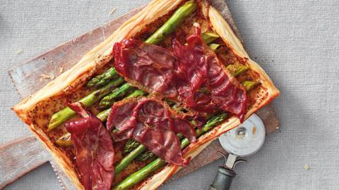 Asparagus and Parma ham tart