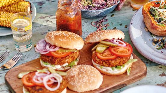 Smoky vegan burgers