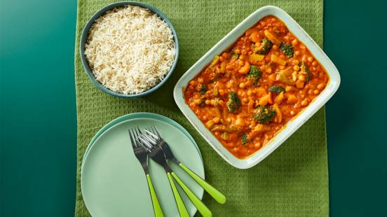 Chickpea and vegetable curry with rice
