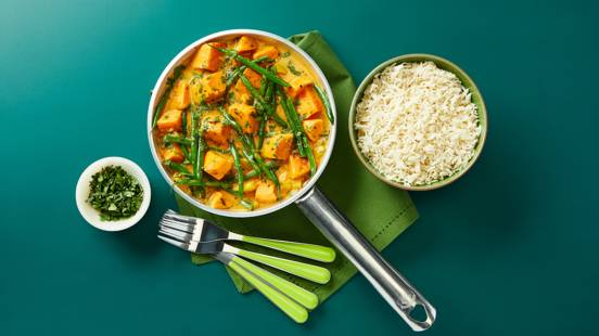 Thai red sweet potato and green bean curry