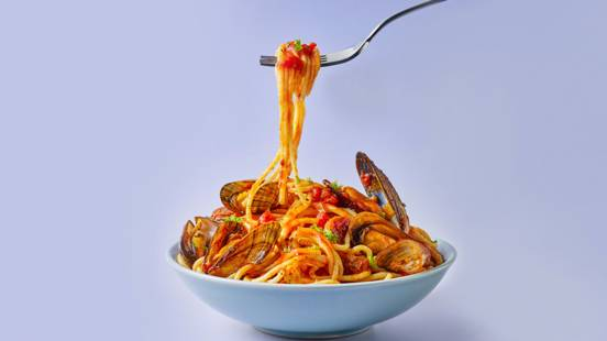 Tomato and mussel spaghetti