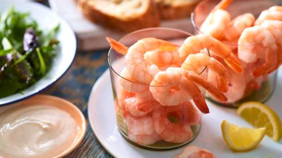 Pint of prawns with paprika dip