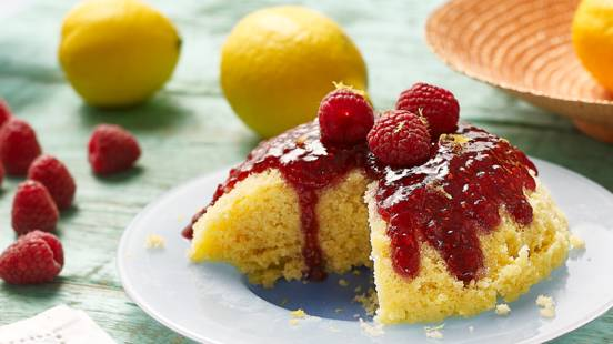 Raspberry and lemon microwave cake