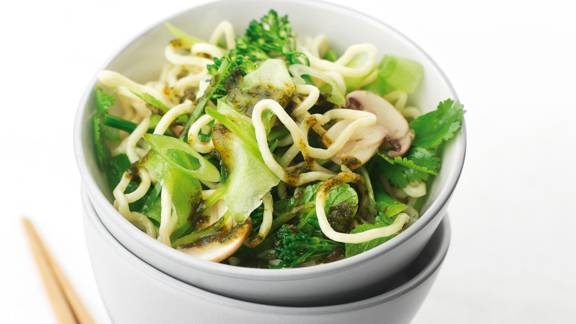 Asian vegetable noodle salad
