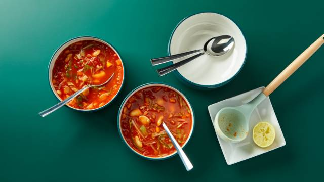 Tomato and butterbean soup