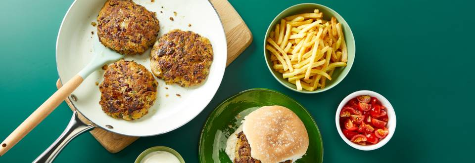 Kidney bean burgers with fries