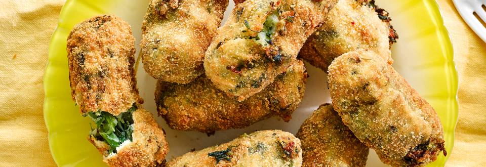 Summer vegetable croquettes with rocket pesto dip